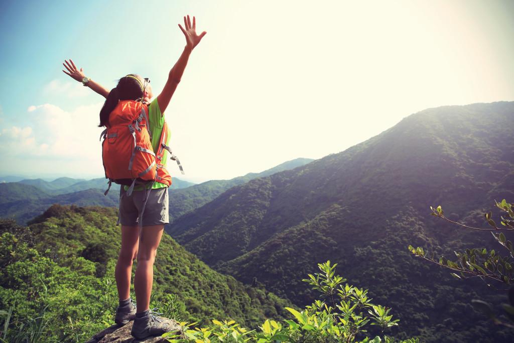 de waarheid over backpacken reading traveller