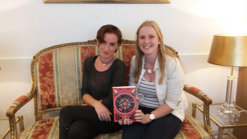 Interview: Laure Eve over De Graces