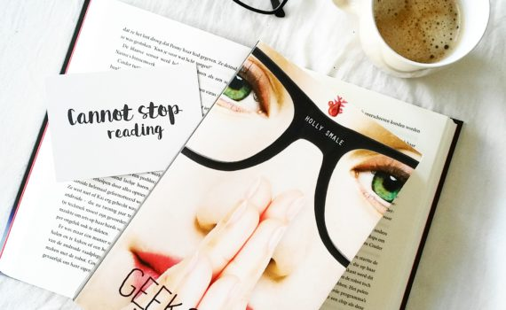 Boekrecensie: Holly Smale - Bekent kleur (Geek Girl #5)