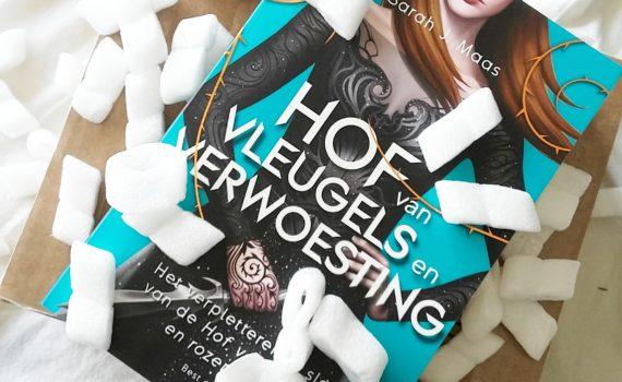 Unboxing: Celebrate Books Box ''Hof van Vleugels en Verwoesting''