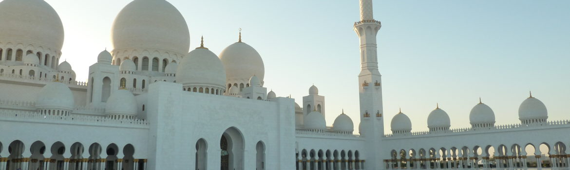 Must visit in Abu Dhabi: Sheikh Zayed Grand Mosque